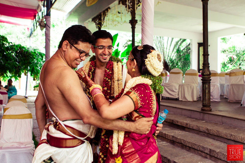 candid wedding photographers in bangalore-0038.jpg