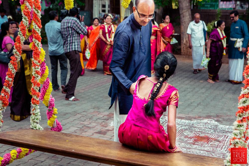 tambrahm-candid-wedding-photographer-bangalore-0016.jpg
