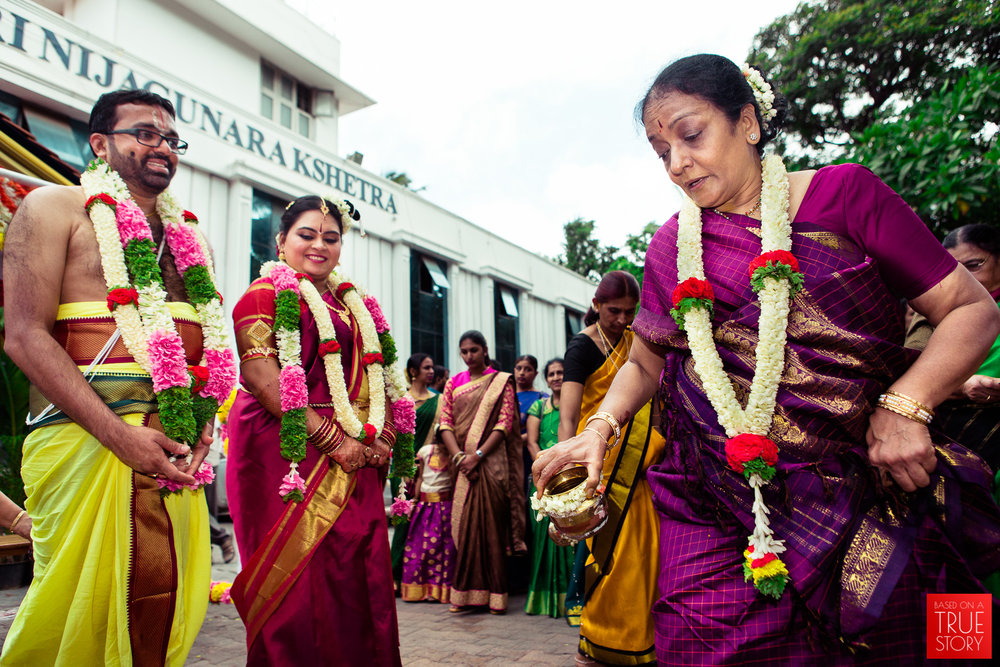 tambrahm-candid-wedding-photographer-bangalore-0026.jpg