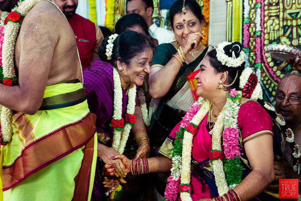 tambrahm-candid-wedding-photographer-bangalore-0042.jpg