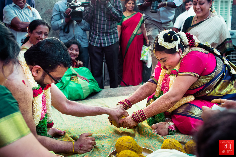 tambrahm-candid-wedding-photographer-bangalore-0060.jpg