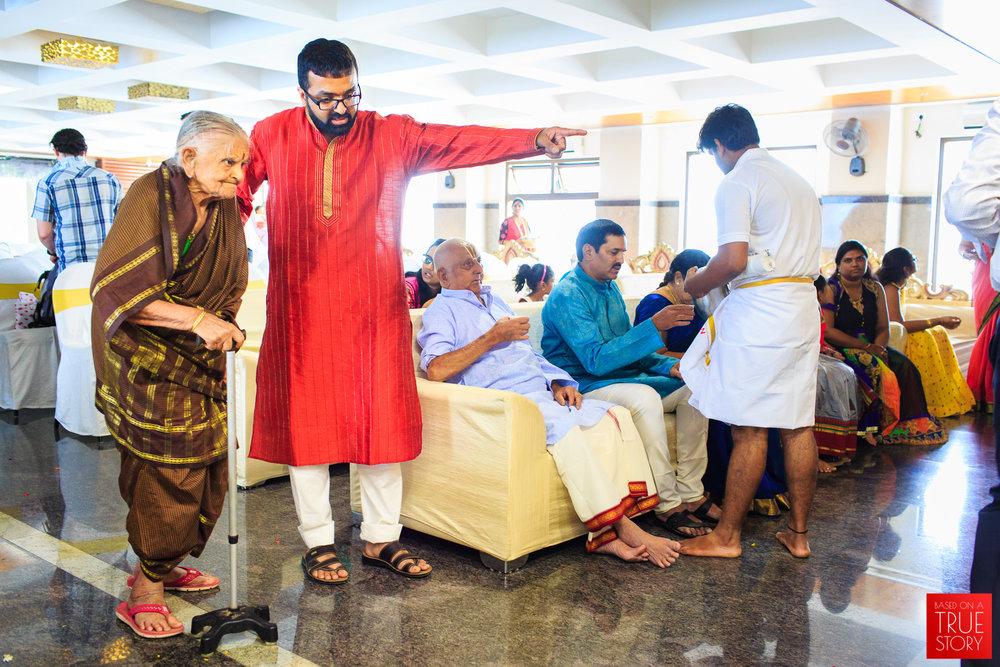 Tambrahm-Candid-Wedding-Photographers-Bangalore-0007.jpg