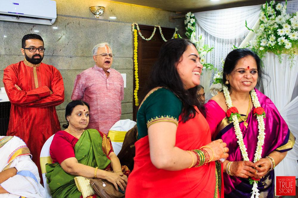 Tambrahm-Candid-Wedding-Photographers-Bangalore-0016.jpg