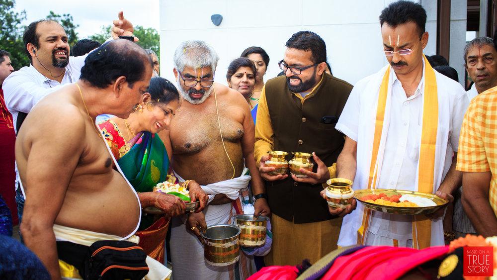 Tambrahm-Candid-Wedding-Photographers-Bangalore-0052.jpg