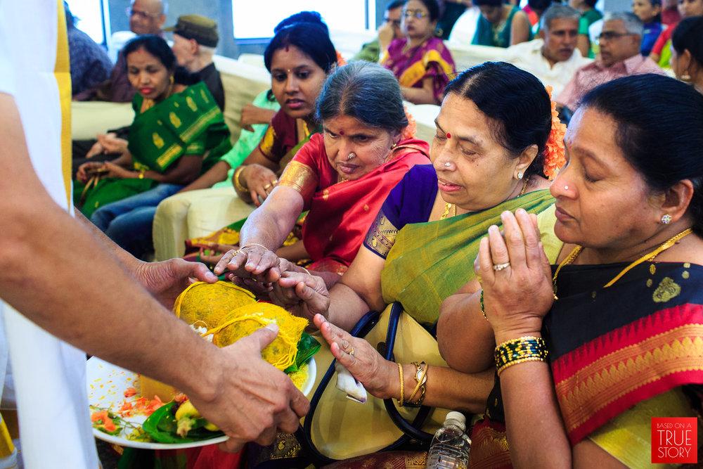 Tambrahm-Candid-Wedding-Photographers-Bangalore-0073.jpg