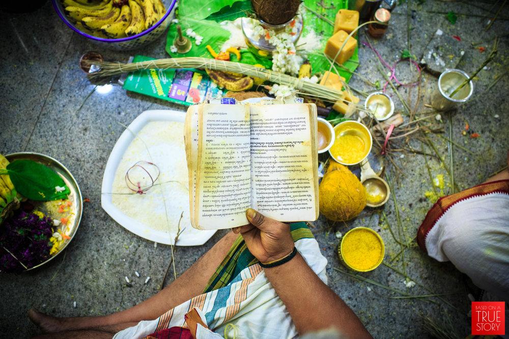 Tambrahm-Candid-Wedding-Photographers-Bangalore-0085.jpg