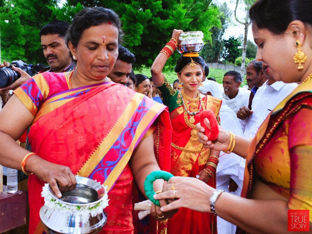 candid-photography-badaga-wedding-ooty-0033.jpg