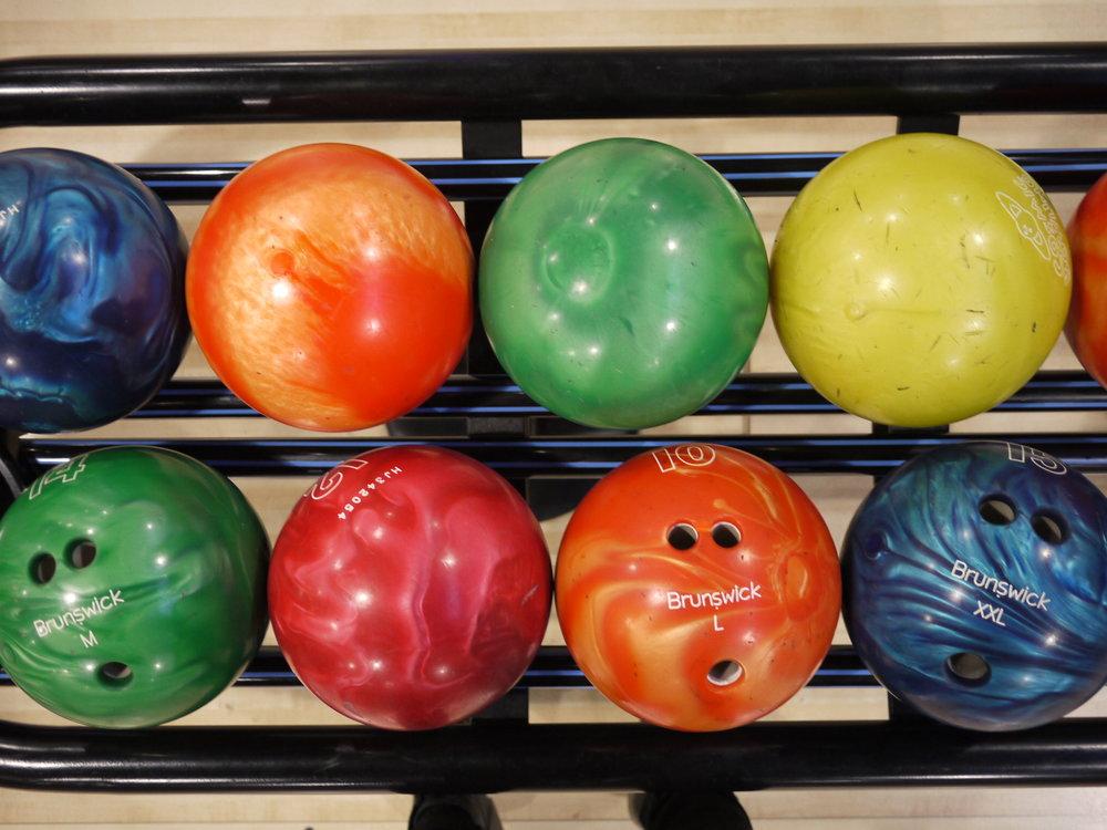 bowlingballs_01.JPG