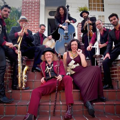 Squirrel Nut Zippers group.jpg