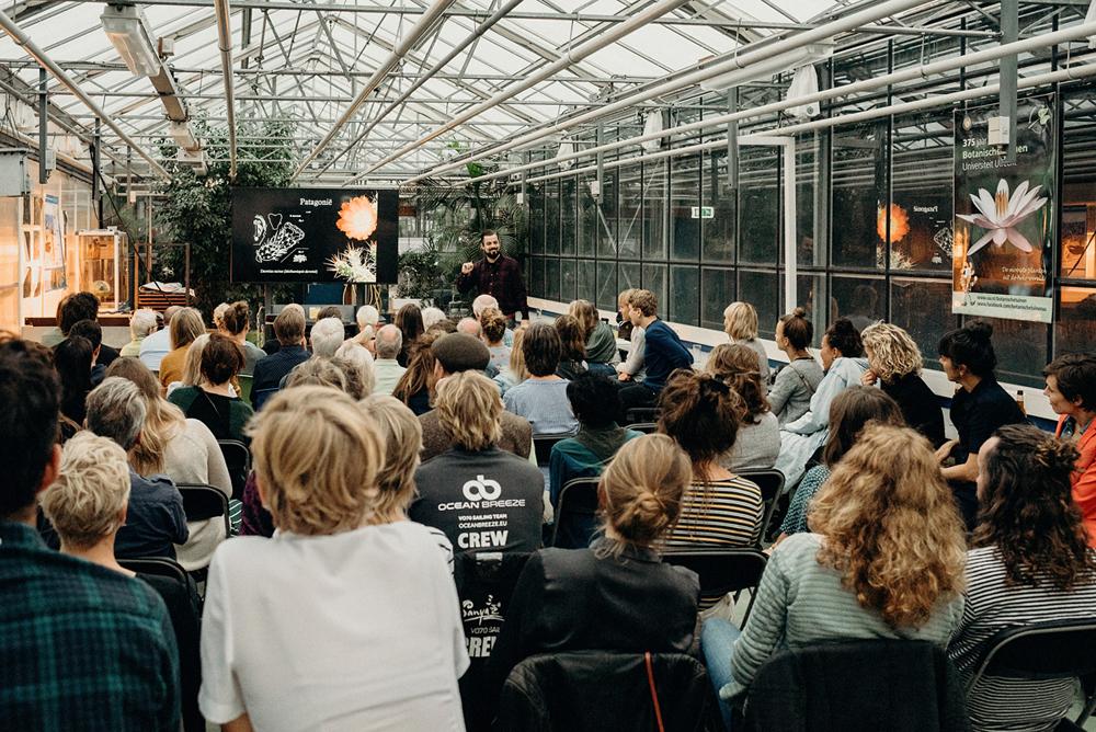 Volle zaal introductielezing D&D ©AnnelienNijland.jpg