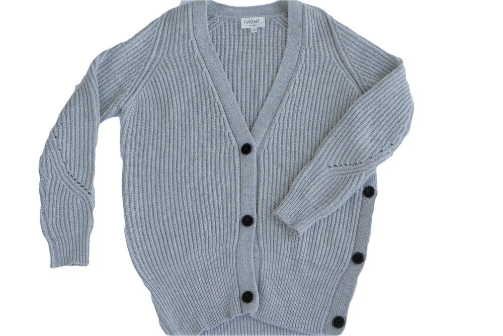 GraySlouchySweater02.jpg