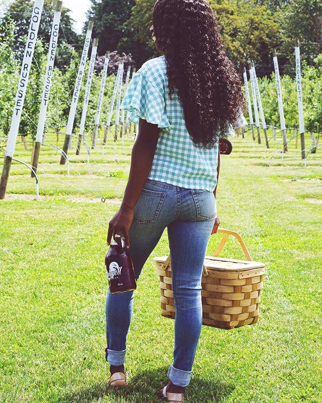 Gingham 💙 • • • #Collectabl #capsulewardrobe #womeninbusiness #ladyboss #smallbusiness #fashion #fashionblogger #style #womensfashion #womensstyle #picnicweather #ootdshare #summerstyle #summerfashion