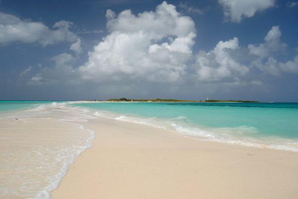 Istmo na praia Cayo D´água / Crédito: La Cigala