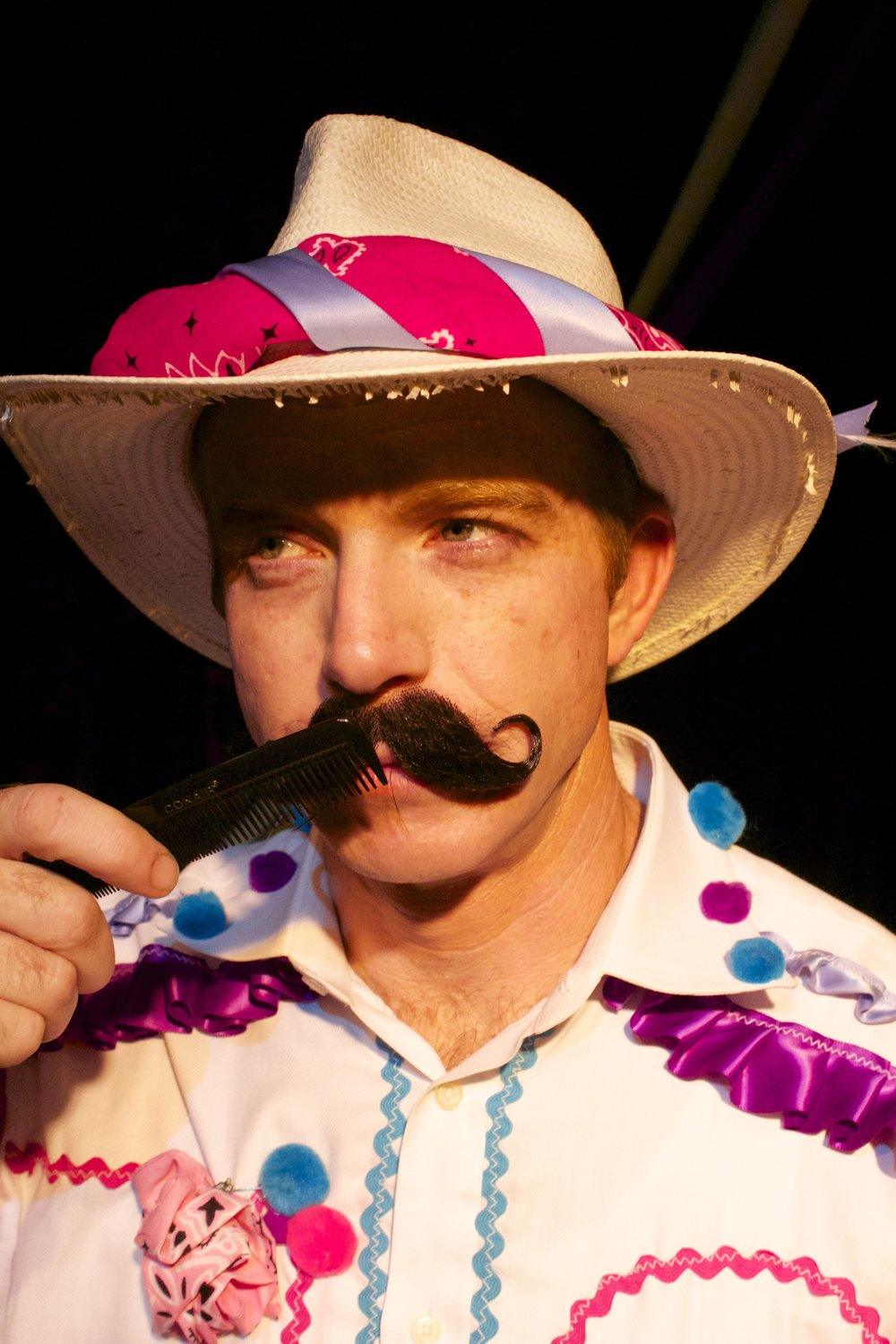 Scott Glennon  as Juan