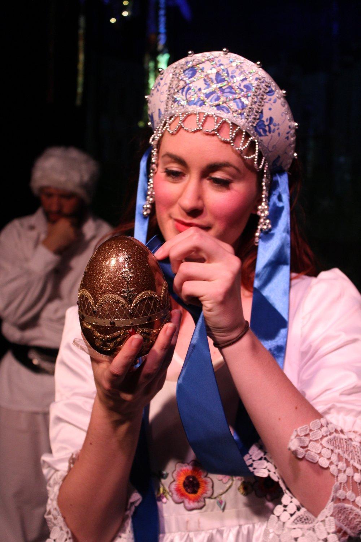 Kaitlyn Althoff as Anya