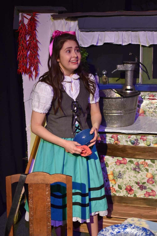 Molly Bibeau  as Zoriona