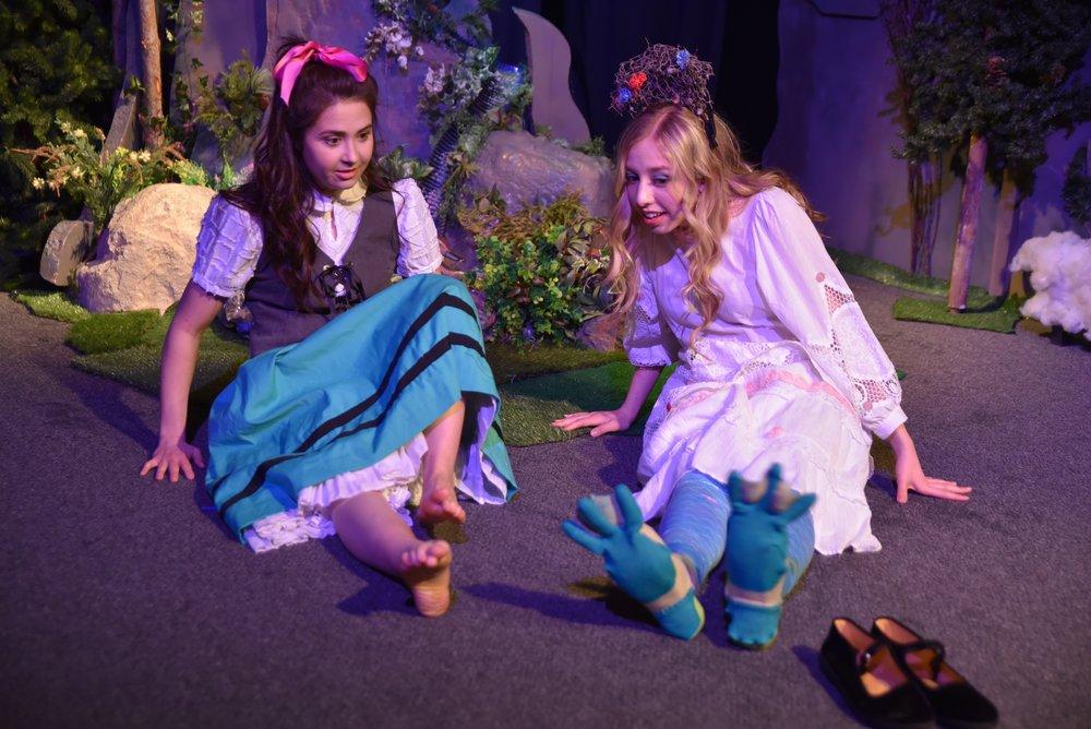 Molly Bibeau  as   Zoriona &  Hanna Dotson  as Izar