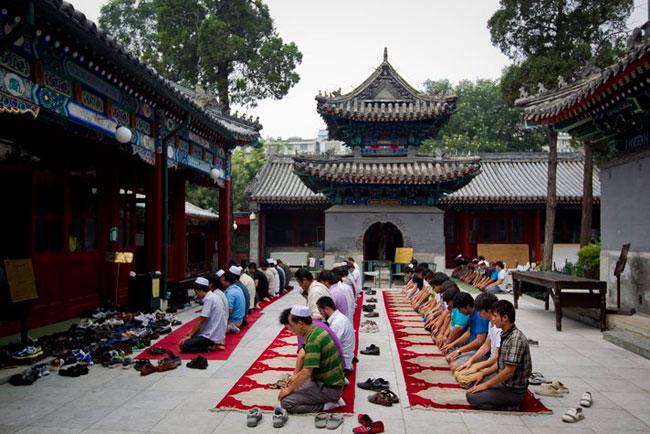 Niujie Mosque. Beijing, China  https://i.pinimg.com/originals/89/3d/e8/893de8154442063fab828a0ba995080d.jpg