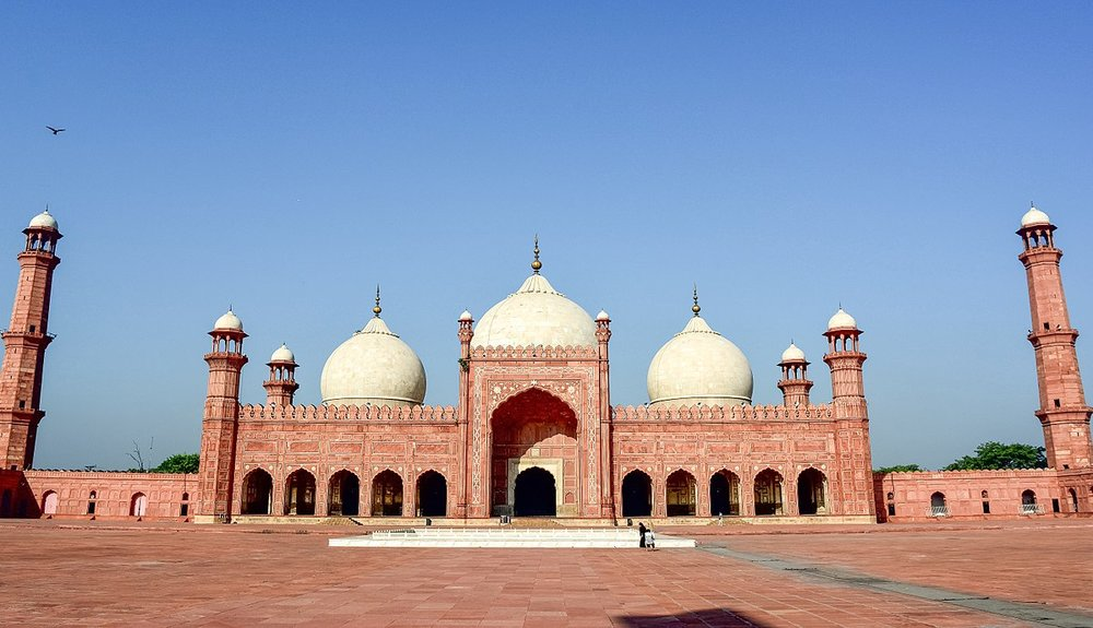 Badshahi Mosque. Lahore, Pakistan  https://upload.wikimedia.org/wikipedia/commons/thumb/a/a1/Badshahi_Mosque_33_%28edited%29.jpg/1200px-Badshahi_Mosque_33_%28edited%29.jpg