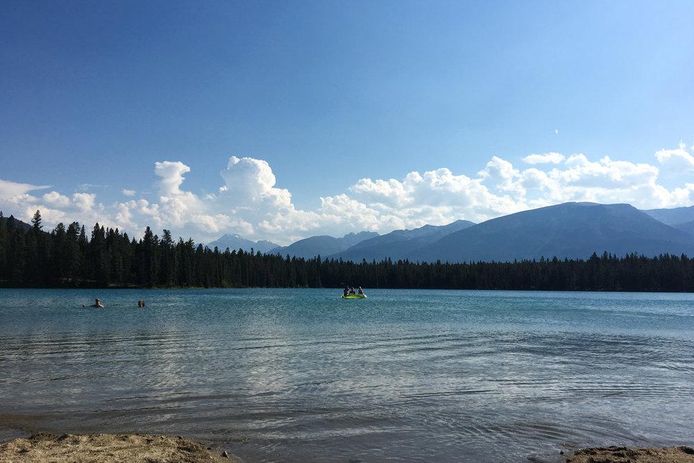 LakeAnnette_JasperNationalPark.jpg