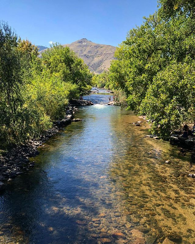 We may miss being on the road, but we admit we're really loving this beautiful place we're lucky enough to call home 😊 #golden #goldenco #goldencolorado #clearcreek #colorado #coloradolife
