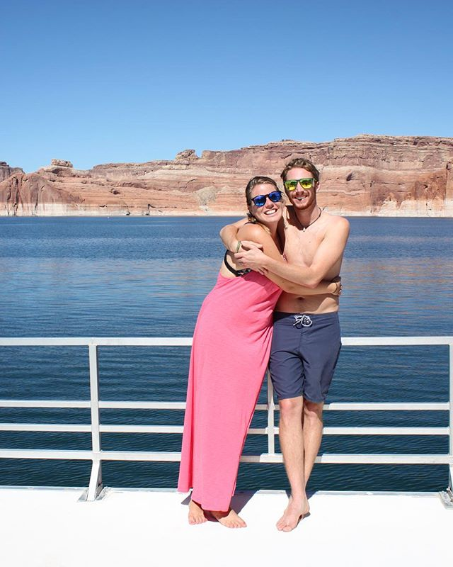 Doesn't get much better than this ❤️ . . . #endlesssummer #lakepowell #lakepowelllove #lakepowelllife #houseboat #houseboatlife #lakelife