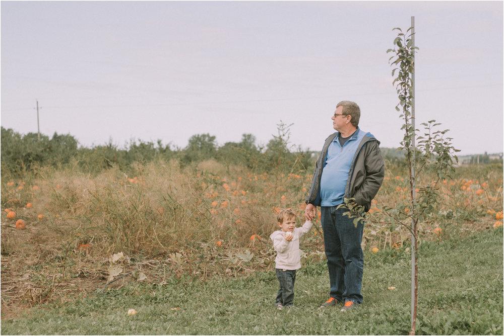 Wisconsin Apple Picking Documentry Photographer 11.jpg