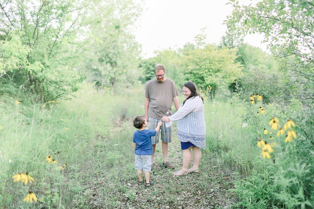 best green bay photographer wisconsin farm photographer farm to table photographer depere family farm