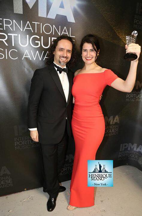 Caruso and da Silva with their 2017 IPMA award for Best Instrumental Performance