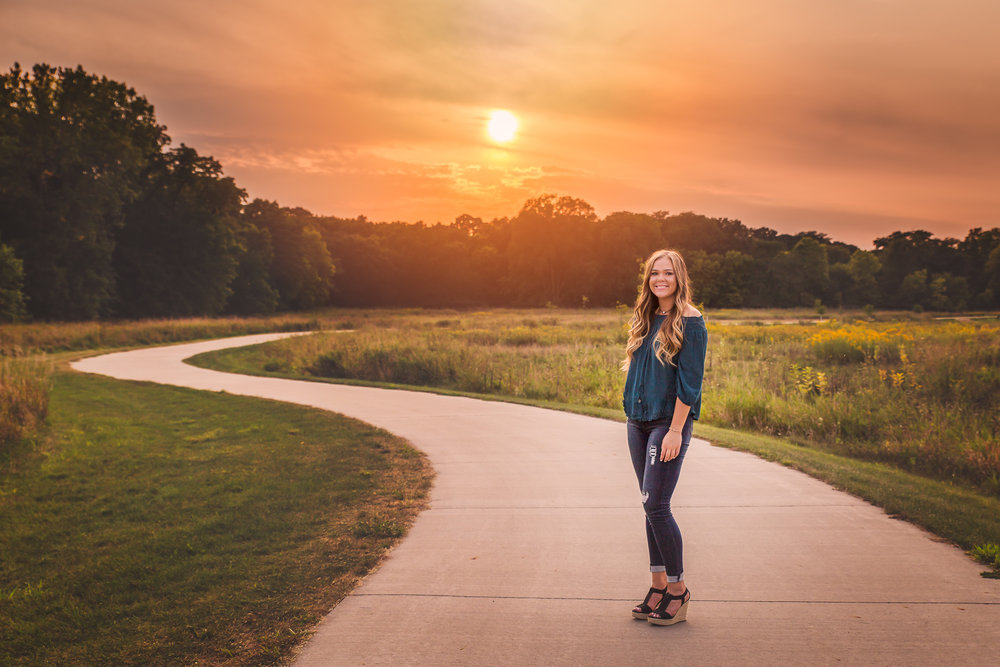 senior-girl-pictures-urbandale-5.jpg