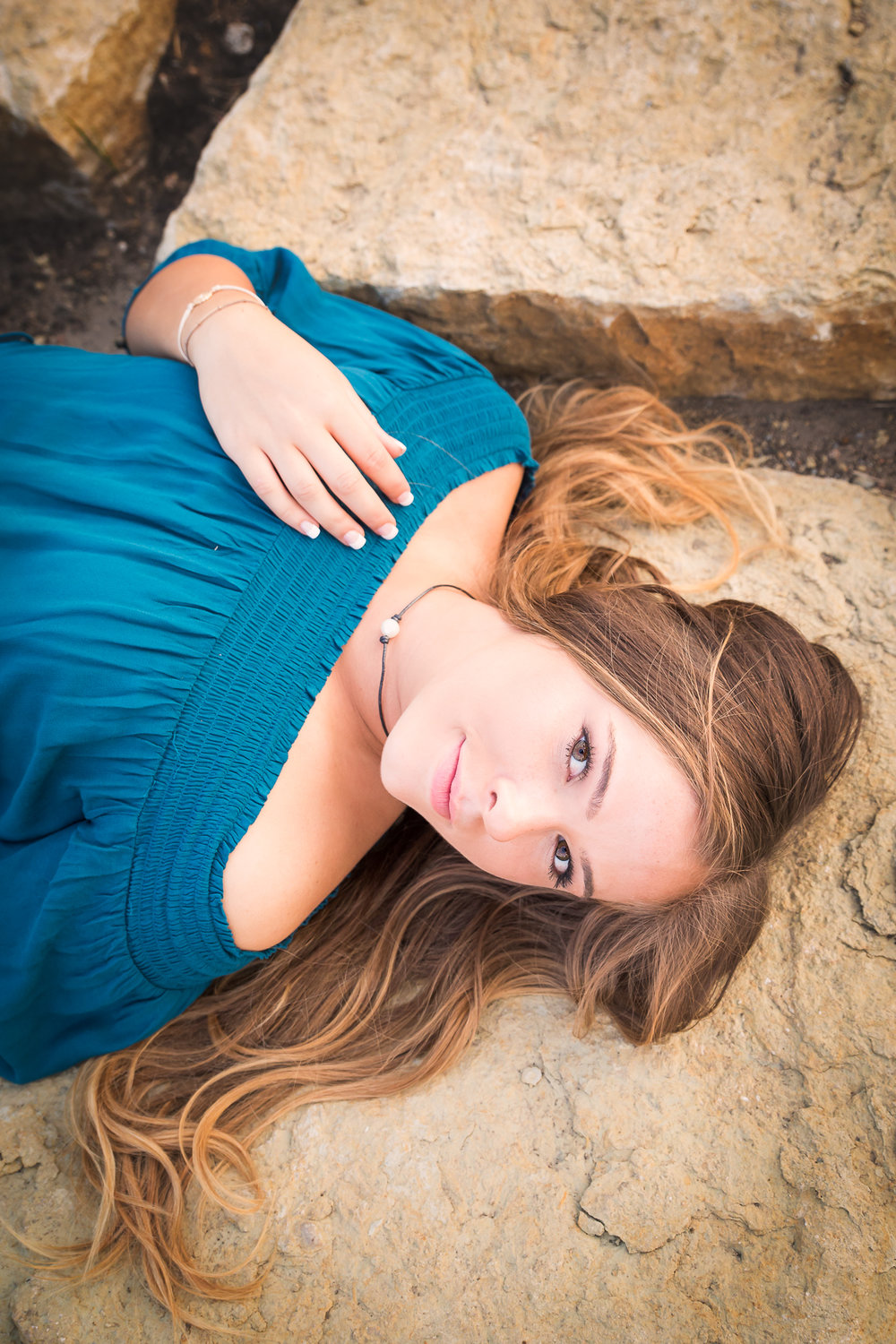senior-girl-pictures-urbandale-6.jpg