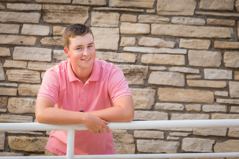 senior-guy-pictures-waukee-1.jpg