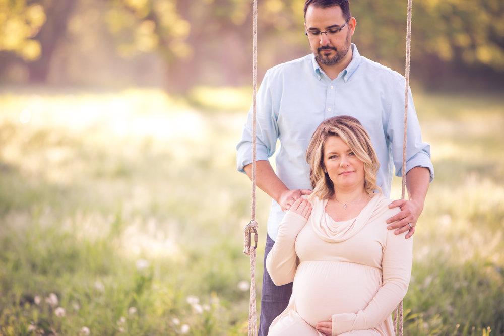 maternity-photographers-urbandale-23.jpg