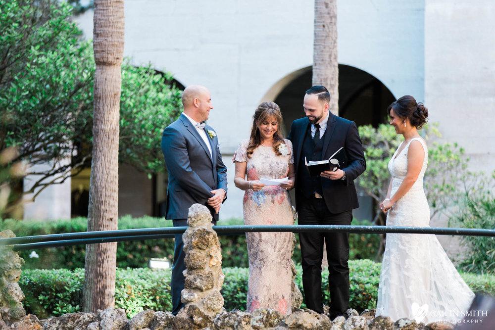 Kaitlyn_John_White_Room_St_Augustine_Wedding_042.jpg