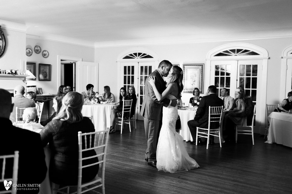 Hannah_Bobby_Winterborne_Inn_Wedding_Photography_081.jpg