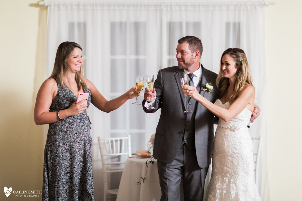 Hannah_Bobby_Winterborne_Inn_Wedding_Photography_086.jpg