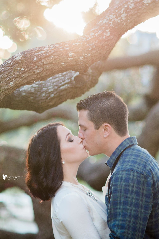 Kristie_Kyle_Treaty_Oak_Jacksonville_Engagement_Photography_017.jpg
