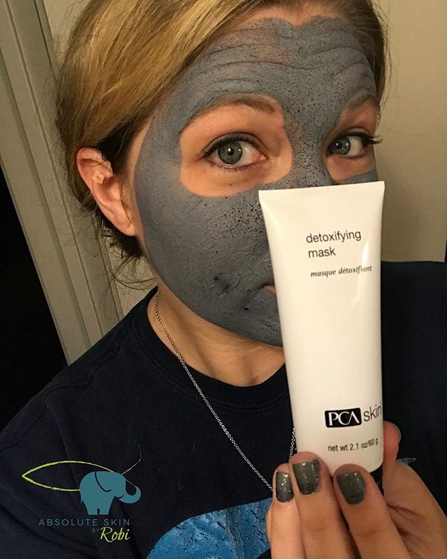 I decided to try out a new product in hopes of bringing it into my retail store for all of my awesome clients! Let's just say I am in love with this mask! It dried up all of my hormonal acne and left my face feeling smooth and fresh! I think trying out new products is one of my favorite parts of my job! For more information about this mask contact me today!  #AbsoluteSkinbyRobi #CopperasCove #PCASkin  www.AbsoluteSkinbyRobi.com