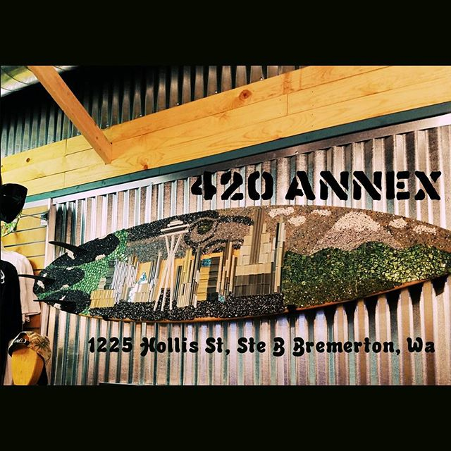 CALLING ALL BREMERTON ARTISTS! We want your art! We are all about building the amazing community we live in. We have an amazing display wall that is waiting to be filled with local masterpeices! Dont let your talent go unnoticed, bring it to 420 Annex😊 1225 Hollis St, Ste. B Bremerton, Wa #420annex #DestinationHwy420 #artists #bremertonartist #livelovelaugh #art🎨 #supportlocalbremerton #supportlocal #livehigher #bremertonwa #Newstore #newoppurtunity
