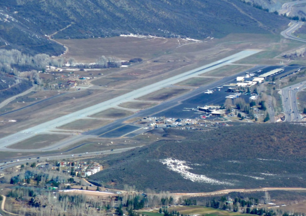 Aspen-Pitkin County Airport (KASE)