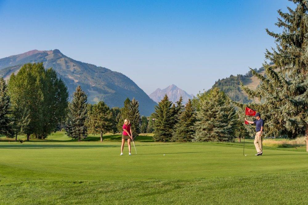 Aspen Municipal Golf Course offers spectacular views