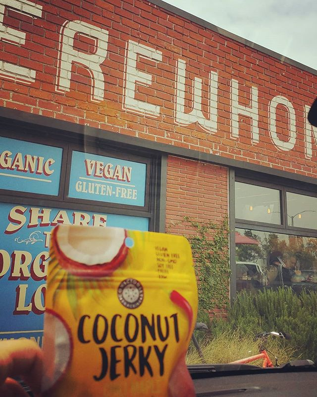 Some #cocojerky action today @erewhonmarket Venice Beach...Chili Maple flavor on deck with sweet and spicy notes. Such a yummy snack for your travels 😆🌴 #guiltfree #crueltyfree #paleo #soyfree #nongmo #additivefree #organic #glutenfree #snackfood #futureofsnacking #vegan #rawvegan #raw #coconut #jerky #snacking #vegans #coconutjerky #vegansofig #rawvegansofig #lovecoconut #coconutlove #plantbased #veganlife #vegansnacks #whatveganseat #may #erewhon #maple