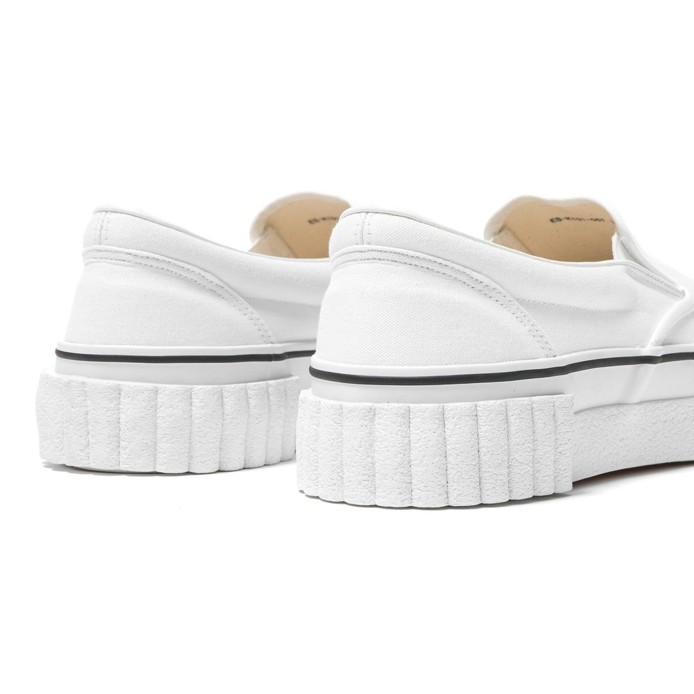 GANRYU-Cotton-Canvas-Slip-on-Sneaker-White-4_2048x2048.jpg