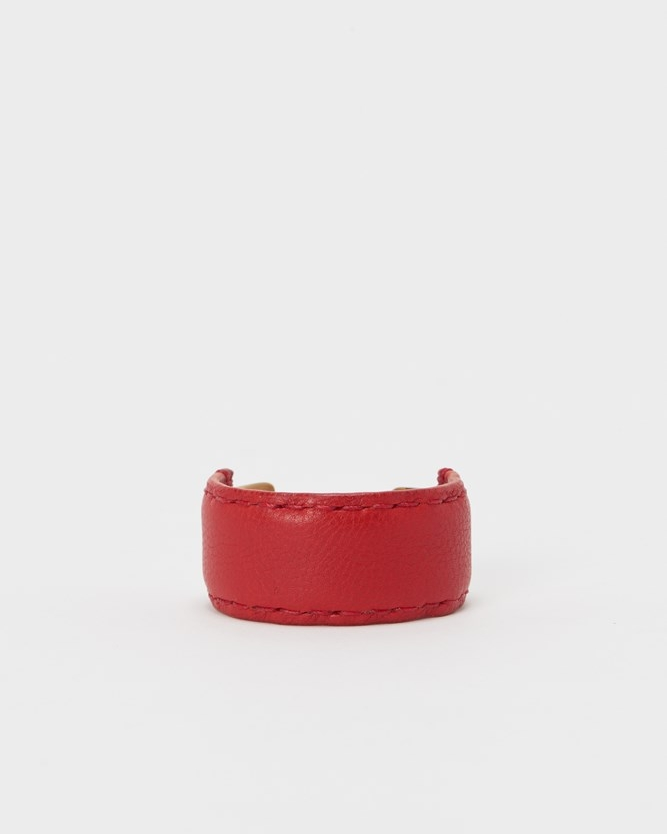 s-32_not-lying-jewelry-bangle-brass_M_red.jpg