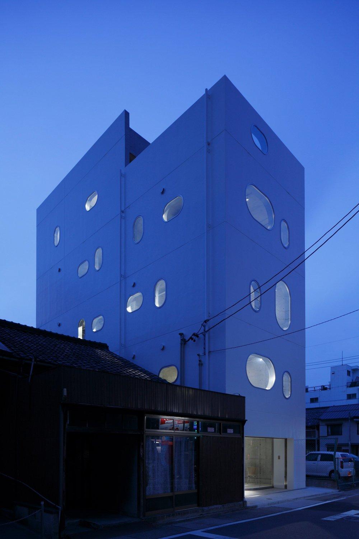 tetote-note-yoshihiro-kato-atelier-architecture-residential-studio-offices-nagoya-japan-_dezeen_2364_col_4.jpg