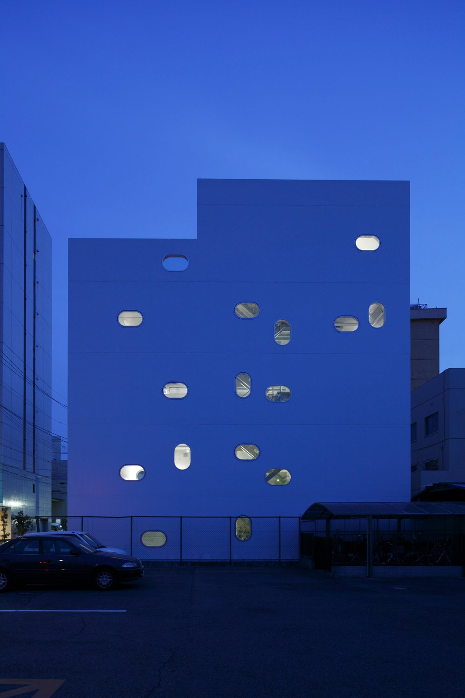 tetote-note-yoshihiro-kato-atelier-architecture-residential-studio-offices-nagoya-japan-_dezeen_2364_col_6.jpg