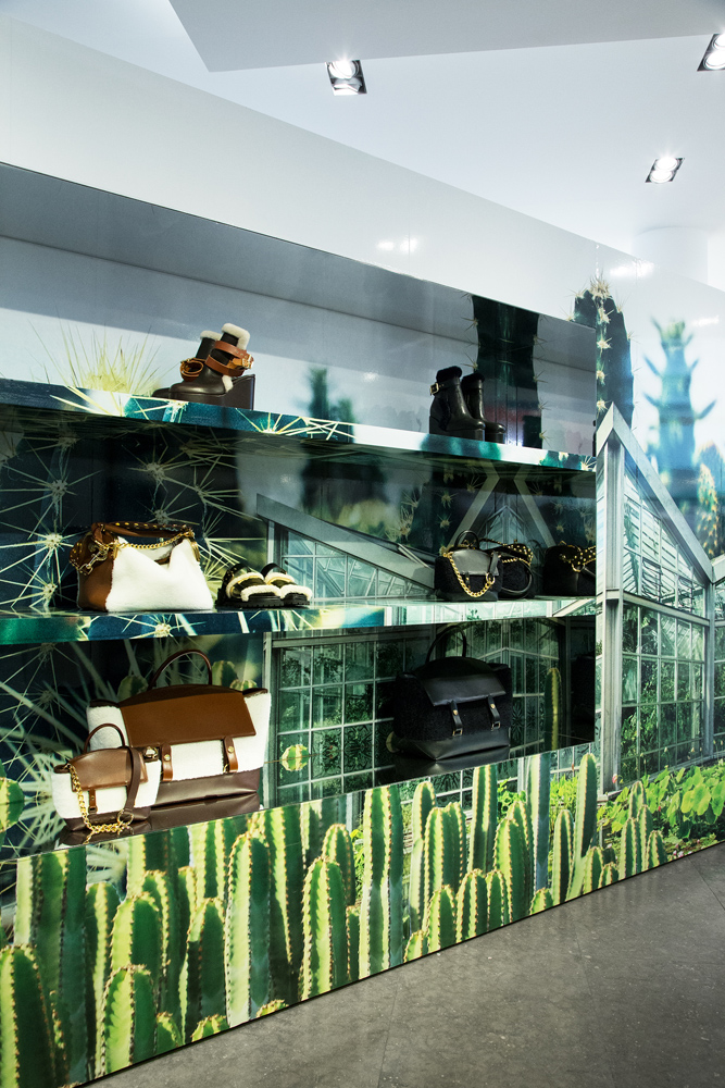 Jardin-sacai-at-colette_store-interior-3.jpg