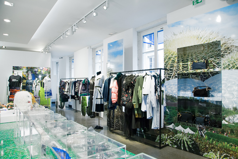 Jardin-sacai-at-colette_store-interior-11.jpg