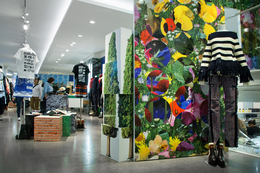 Jardin-sacai-at-colette_store-interior-18.jpg
