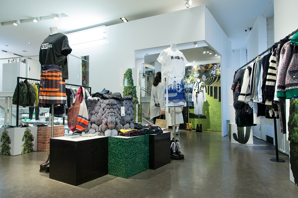 Jardin-sacai-at-colette_store-interior-22.jpg